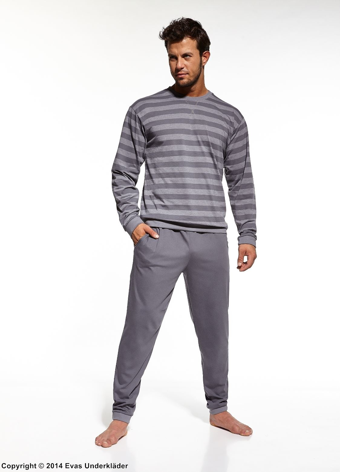 Randig pyjamas